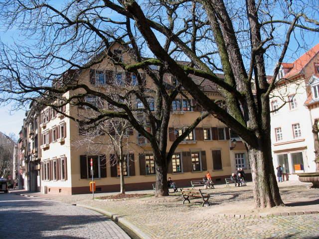 ev stadtmission links adelhauserplatz am 1232007 blick nach westen zur stadtmission - Offenes Wohnzimmer Freiburg